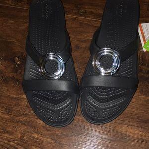 NWT super cute sandals that don't look like crocs!